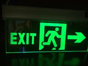 exit kính trong 2-lightup